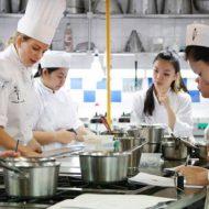 Tại sao phải chọn trường học nghề bếp chất lượng?