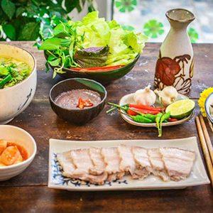 bữa cơm gia đình miền Trung