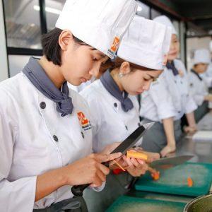 học nấu ăn không cần bằng cấp