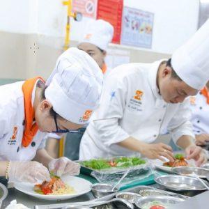 thực hành nấu ăn tại hocnauan.edu.vn
